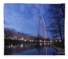 Gateway Arch At Dawn Fleece Blanket