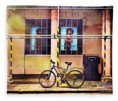 Giant Passion Bicycle Fleece Blanket