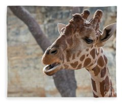 Girafe Head About To Grab Food Fleece Blanket