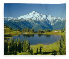 1m4422-glacier Peak, Wa  Fleece Blanket