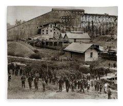 Glen Lyon Pa Susquehanna Coal Co Breaker Late 1800s Fleece Blanket