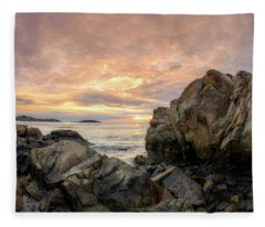 Good Harbor,rock View Fleece Blanket