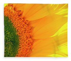 Gorgeous Sunflower Macro Fleece Blanket
