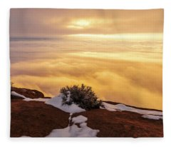 Grand View Glow Fleece Blanket