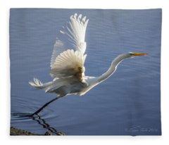 Great Egret Taking Flight Fleece Blanket