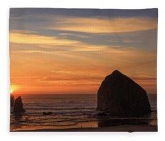 Haystack Rock Ocean Sunset, Cannon Beach, Oregon Fleece Blanket