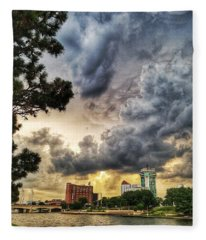 Hdr Ict Thunder Fleece Blanket