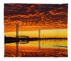 Swing Bridge Heat Fleece Blanket