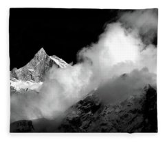 Himalayan Mountain Peak Fleece Blanket