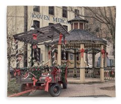 Hooven Mercantile Building Fleece Blanket