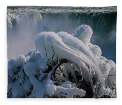 Icicle Curve Fleece Blanket