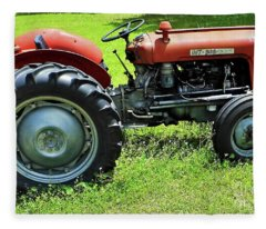 Imt 539 Tractor Fleece Blanket