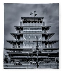 Indy 500 Pagoda - Black And White Fleece Blanket