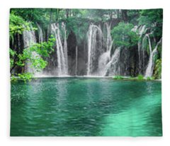 Into The Waterfalls - Plitvice Lakes National Park Croatia Fleece Blanket