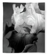 Iris 6621 H_5 Fleece Blanket