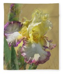 Iris, 'kiss Of Kisses' Fleece Blanket