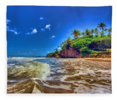 Island Wave Fleece Blanket