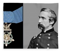 J.l. Chamberlain And The Medal Of Honor Fleece Blanket