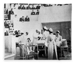 John Hopkins Operating Theater, 19031904 Fleece Blanket