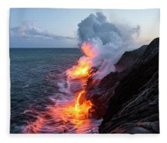 Kilauea Volcano Lava Flow Sea Entry 3- The Big Island Hawaii Fleece Blanket