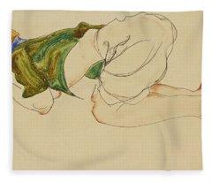 Kniende Frau Fleece Blanket
