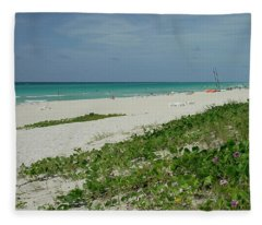 La Playa Mas Hermosa Fleece Blanket
