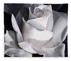 La Rosa Bianca Fleece Blanket