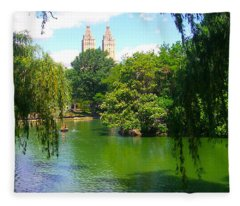Lakeside In Manhattan, New York Fleece Blanket