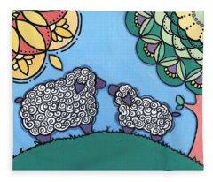Lamb And Mama Sheep Fleece Blanket