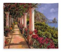Le Colonne E La Buganville Fleece Blanket