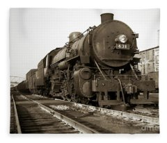 Lehigh Valley Steam Locomotive 431 At Wilkes Barre Pa. 1940s Fleece Blanket