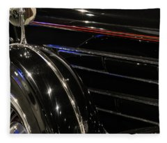 Light Reflection Fleece Blanket