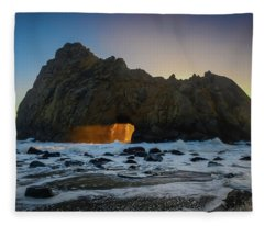 Light Tunnel Fleece Blanket