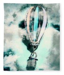Little Hot Air Balloon Pendant And Clouds Fleece Blanket