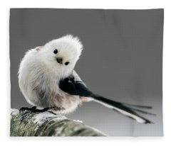 Charming Long-tailed Look Fleece Blanket
