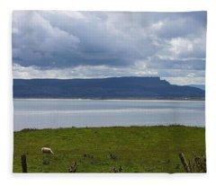 Lough Foyle 4171 Fleece Blanket