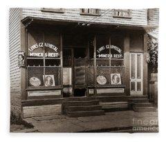 Louis Czarniecki Miners Rest 209 George Ave Parsons Pennsylvania Fleece Blanket