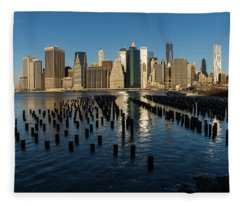 Luminous Blue Silver And Gold - Manhattan Skyline And East River Fleece Blanket