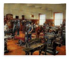 Machinist - The Standard Way 1915 Fleece Blanket