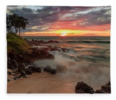 Maluaka Beach Sunset Fleece Blanket
