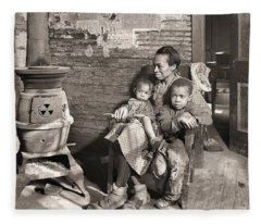 March 1937 Scott's Run, West Virginia Johnson Family. Fleece Blanket