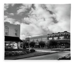 May Morning In Murphy North Carolina In Black And White Fleece Blanket