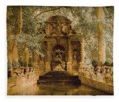 Paris, France - Medici Fountain Oldstyle Fleece Blanket