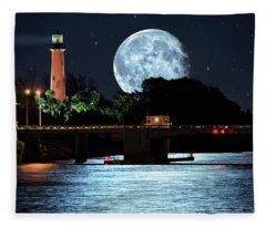 Mega Super Moon Rising Over Jupiter Lighthouse Fleece Blanket