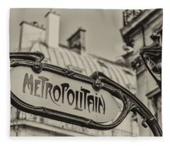 Metropolitain Fleece Blanket