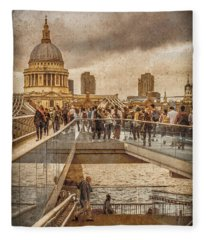 London, England - Millennium Bridge II Fleece Blanket