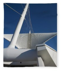 Milwaukee Art Museum Cropped Fleece Blanket
