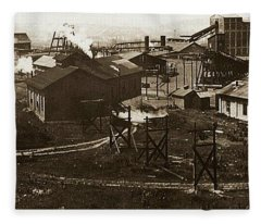Mineral Springs Colliery Parsons Gravel Hill Scranton Patch Area Of Wilkes Barre Pa 1913 Fleece Blanket