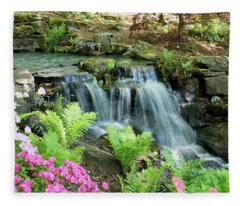 Mini Waterfall Fleece Blanket