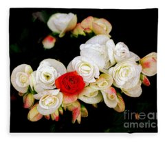 Miniature Roses Fleece Blanket